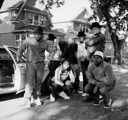 RUN DMC & POSSE HOLLIS QUEENS 1984