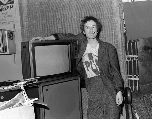 JOHNNY ROTTEN AT HOME 1981